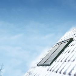Volet roulant solaire VELUX - Taille 9 en hiver